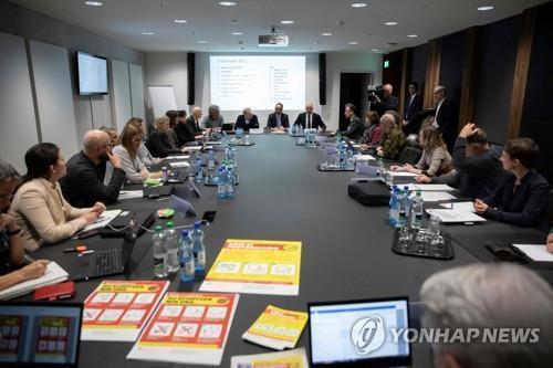스위스, 코로나19 확진 9천명 육박…한국 추월 집계도