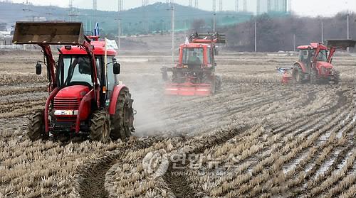 코로나19로 영농철 비상…화천군 농기계 무상임대 도입