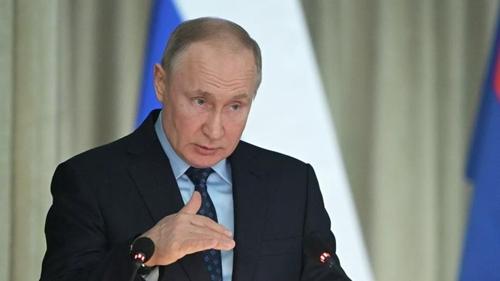푸틴, 코로나19 확산에 내달 22일 예정 개헌안 국민투표 연기(종합)