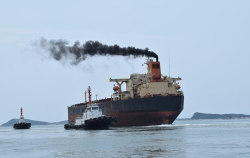 선박들 저유황 연료유 사용 의무화…해경, 방제 '비상'