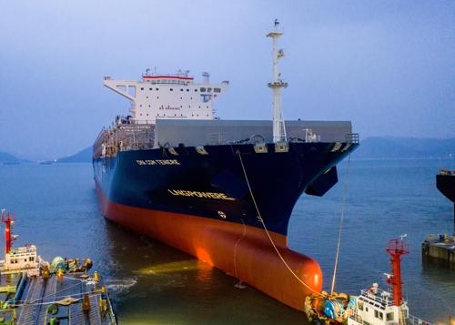 국내 첫 LNG 추진 컨테이너선 건조…1회 충전 유럽 왕복