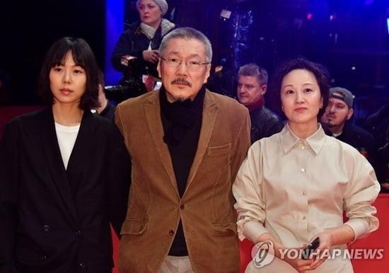 홍상수 감독 `도망친여자`, 베를린영화제 감독상 수상