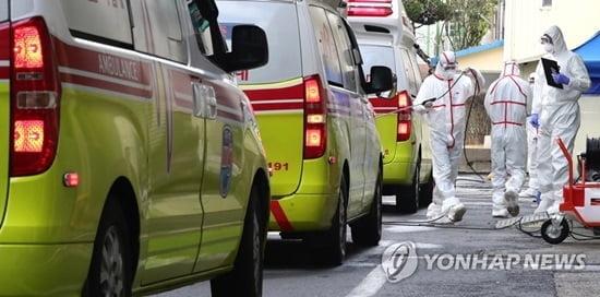 [속보] 코로나19 국내 18번째 사망자 83세男…기저질환자