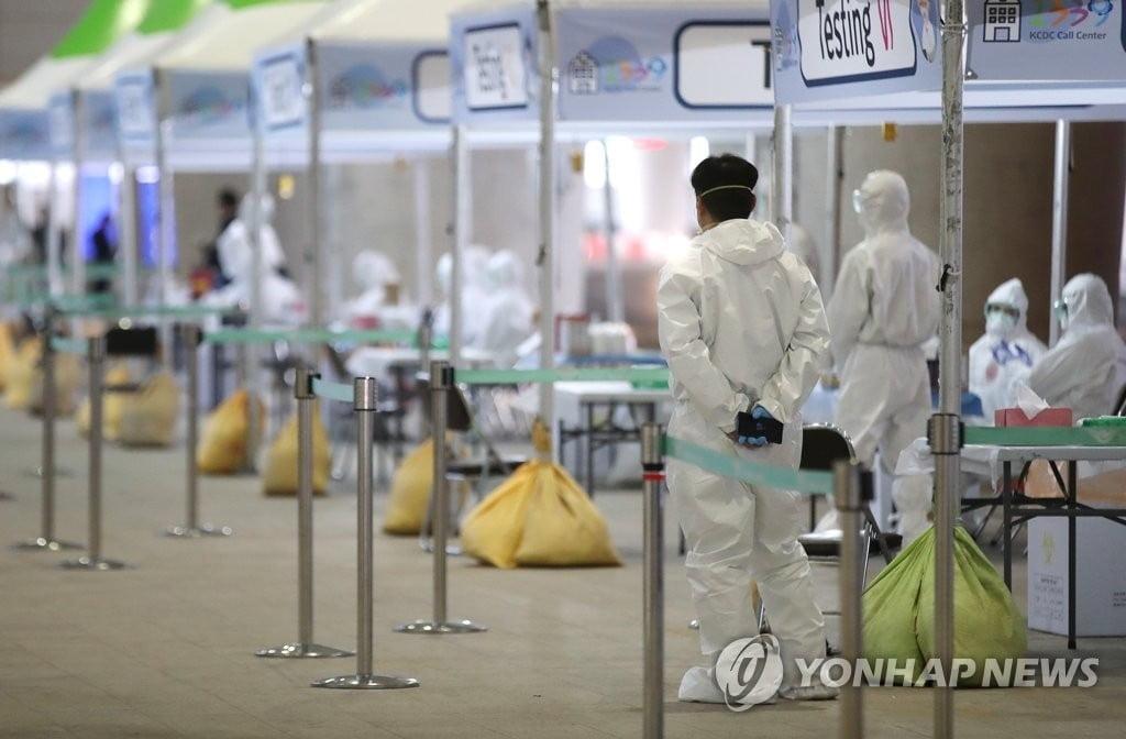 서울 26일 오전 대비 확진자 13명 증가…총 374명으로
