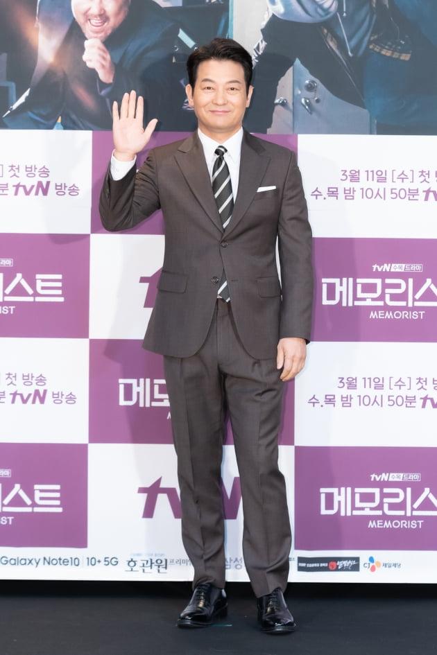 [TEN 포토] '메모리스트' 조성하, '믿고 보는 배우'