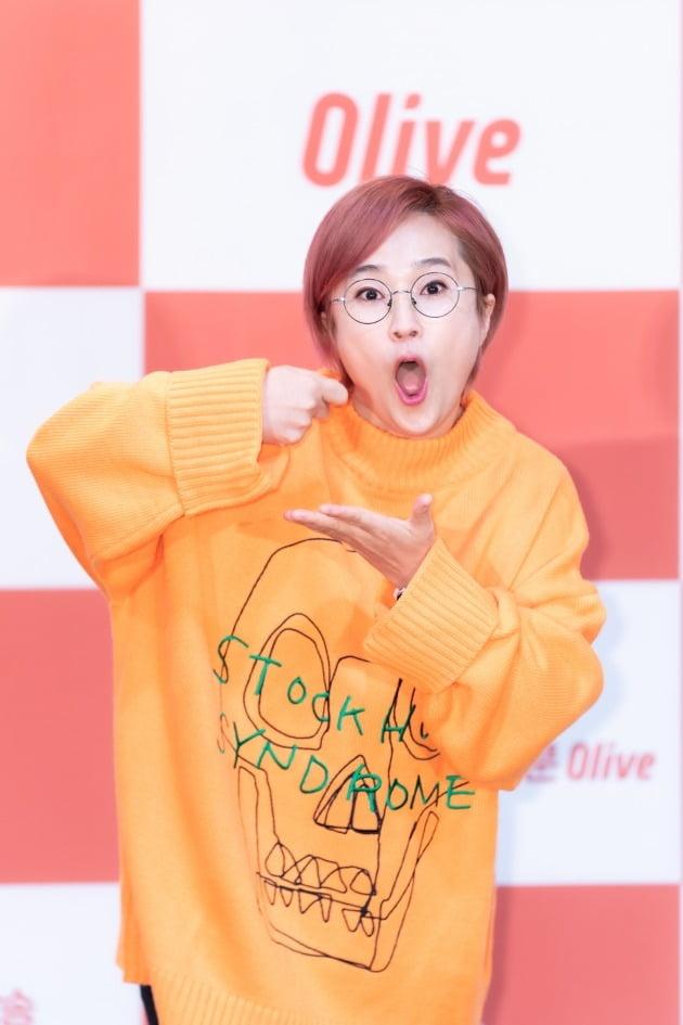 개그우먼 송은이가 4일 오전 생중계된 올리브 새 예능 '밥블레스유2' 제작발표회에 참석했다. /사진제공=CJ ENM