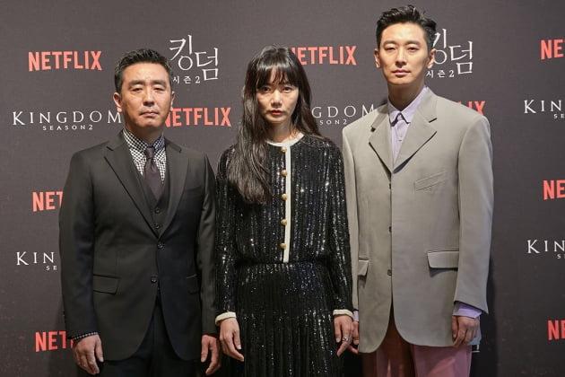 배우 류승룡(왼쪽부터), 배두나, 주지훈