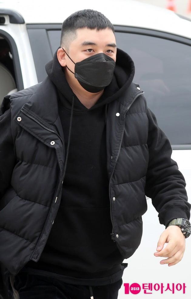 [TEN 포토] 승리 '남은재판은 군사법원으로'