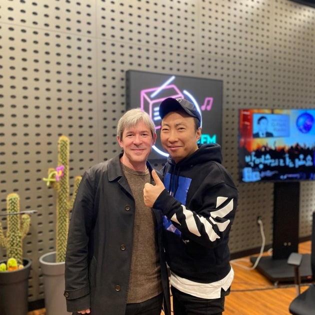 번역가 달시 파켓(왼쪽), 개그맨 박명수 / 사진=KBS 쿨FM '박명수의 라디오쇼' 인스타그램