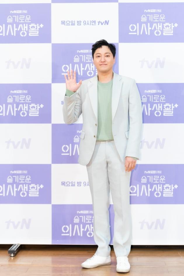 [TEN 포토] '슬기로운 의사생활' 김대명, '봄맞이 새싹 패션'