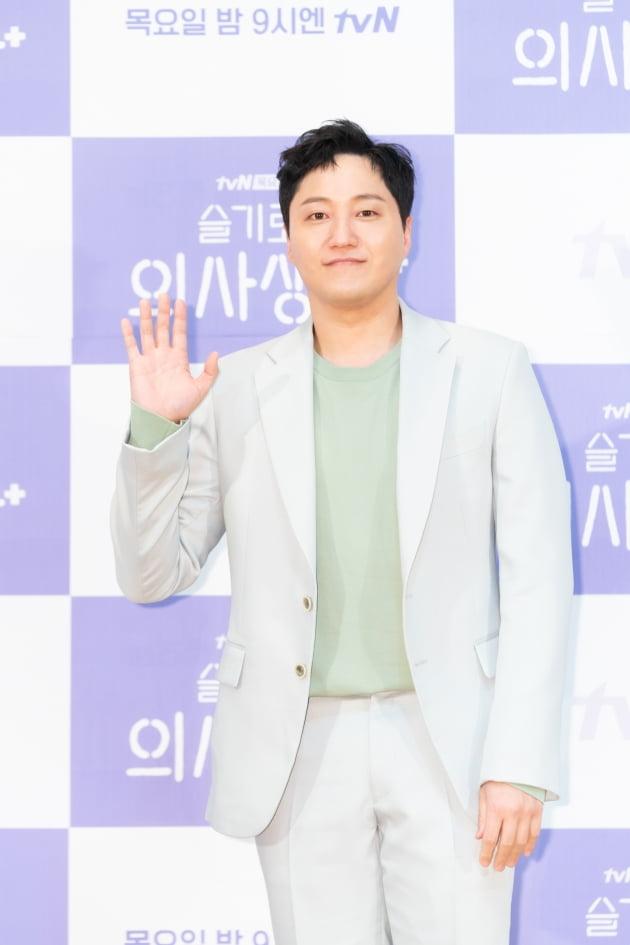 [TEN 포토] '슬기로운 의사생활' 김대명, '살 빠지니 더 훈남'