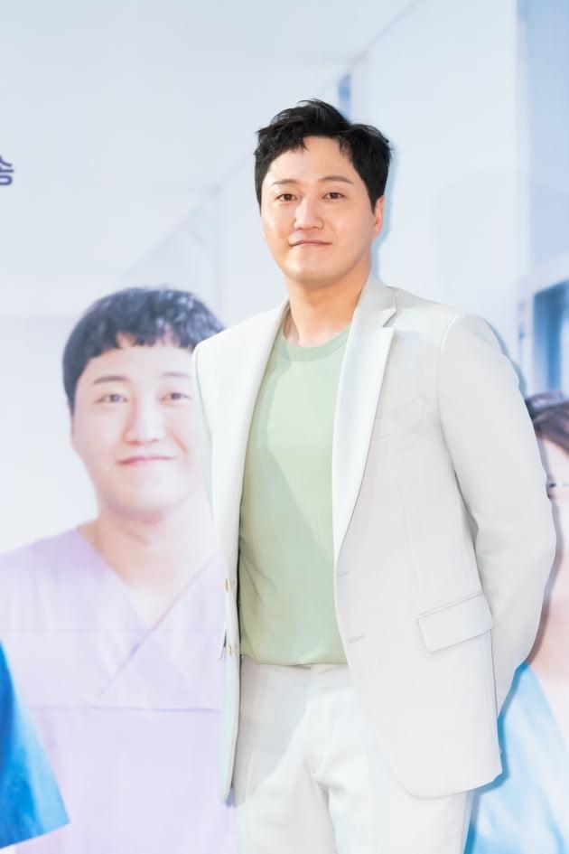 [TEN 포토] '슬기로운 의사생활' 김대명, '더 훈훈해진 비주얼'