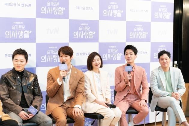 배우 조정석(왼쪽부터),유연석,전미도,정경호,김대명./사진제공=tvN