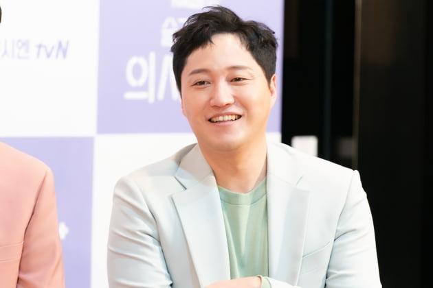 [TEN 포토] '슬기로운 의사생활' 김대명 '봄을 닮은 미소'