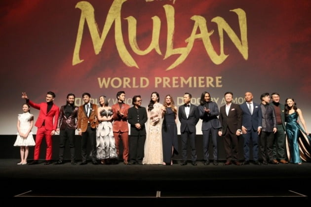지난 9일(현지시간) 미국 LA에서 영화 '뮬란'의 월드 프리미어가 개최됐다.