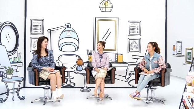 방송인 신아영(왼쪽부터), 오정연, 최송현 / 사진제공=STATV