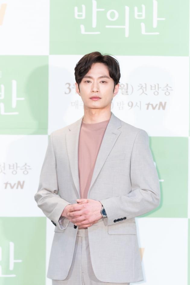 [TEN 포토] '반의반' 김성규, '빠져드는 눈빛'