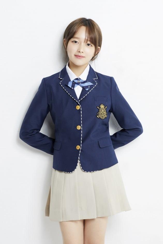 tvN 월화드라마 '방법'에서 저주를 거는 능력을 지닌 10대 소녀 방법사 백소진 역으로 열연한 배우 정지소. /사진제공=아이오케이컴퍼니