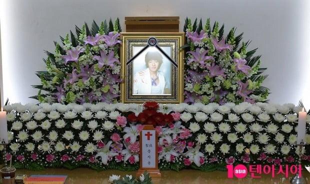 [TEN 포토] 급성패혈증으로 세상을 떠난 배우 문지윤