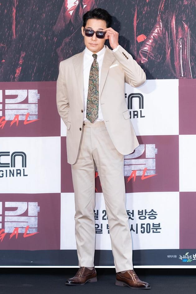 [TEN 포토] '루갈' 박성웅, '범접불가 포스'