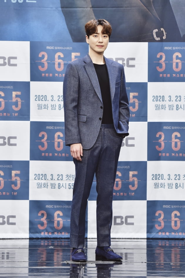 [TEN 포토] '365 : 운명을 거스르는 1년' 이준혁, '여심 불지른 방화범'