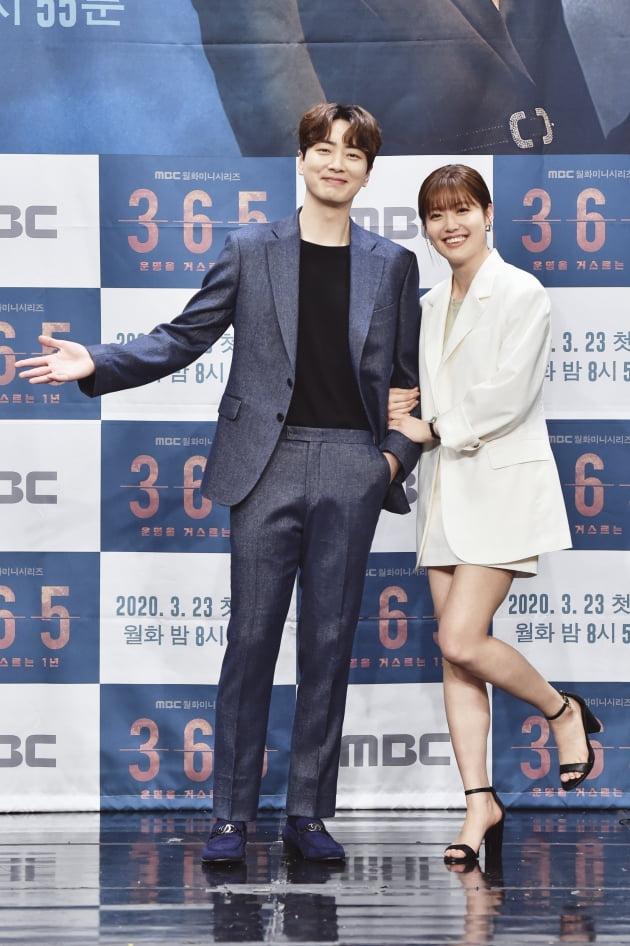 [TEN 포토] '365 : 운명을 거스르는 1년' 이준혁X남지현, '선남선녀'