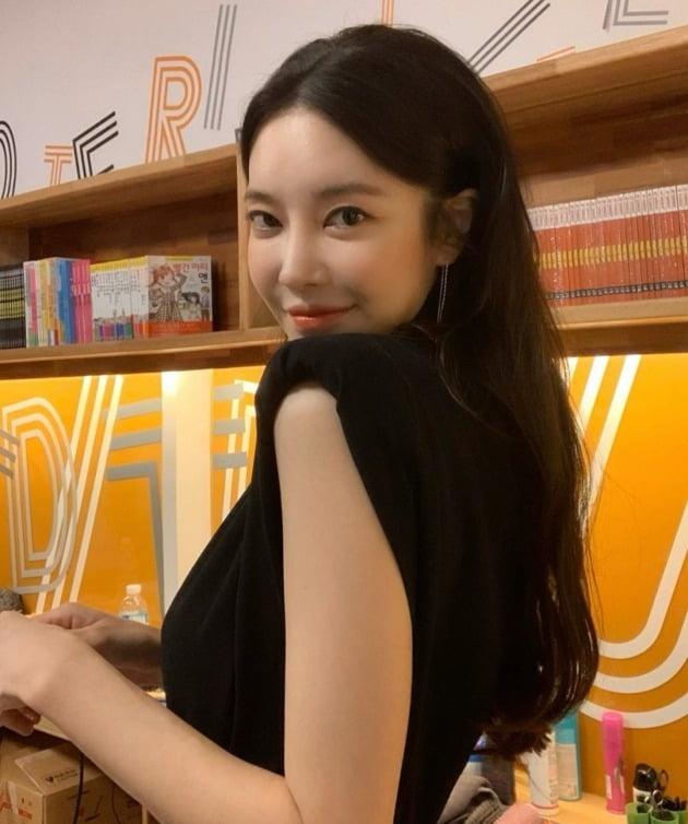 /사진=김윤지 인스타그램