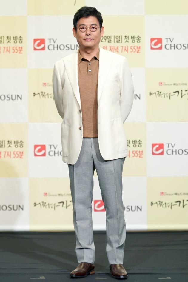 [TEN 포토] '어쩌다 가족' 성동일, '믿고 보는 배우'