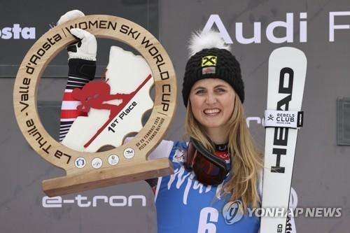 이탈리아 월드컵 스키, 코로나19로 '인터뷰는 1.5m 떨어져서'