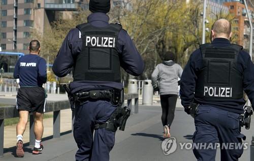 """코로나19 한국 따라하기 애먹는 독일…""""서울 비하면 제3세계"""""""