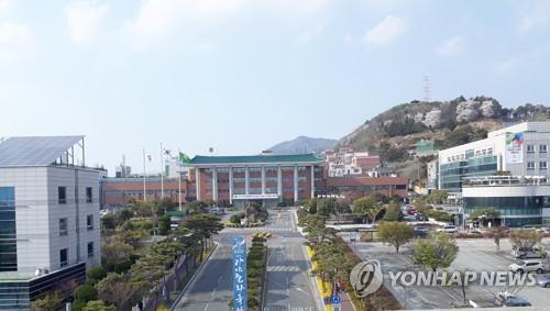 코로나19 직격탄 맞은 김해…고용유지금 신청 548% 폭등