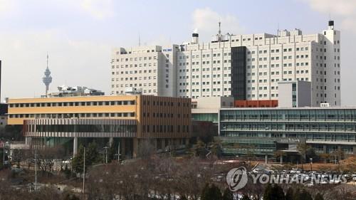 영남대병원장 '실험실 오염·기술 오류' 발표에 '발끈'