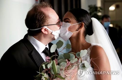"""호주 """"결혼식은 5명·장례식은 10명까지 참석""""…코로나19 지침"""