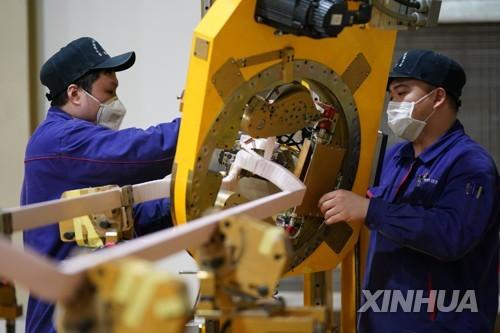 """중국 """"올해 취업 상황 매우 심각""""…코로나19 대량실업에 비상"""