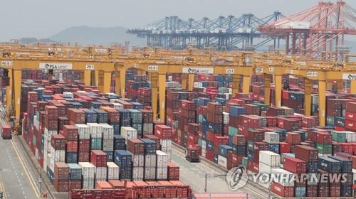 코로나19 여파에 지난달 중국 수출입 물동량 12% 감소