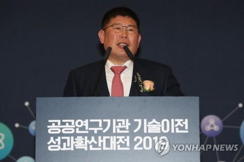 민주통합의원모임에 무소속 김경진 합류…총 22명