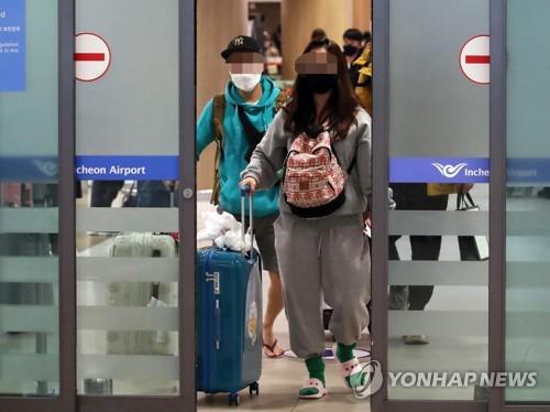 한국발 입국제한 81곳…정부 설득에도 일주일만에 6배