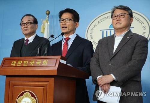 김문수, 자유공화당 탈당…'태극기세력' 3주만에 다시 분열