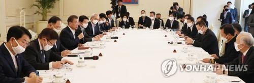 문 대통령이 꺼낸 코로나19 극복 키워드…'연대·협력·속도'