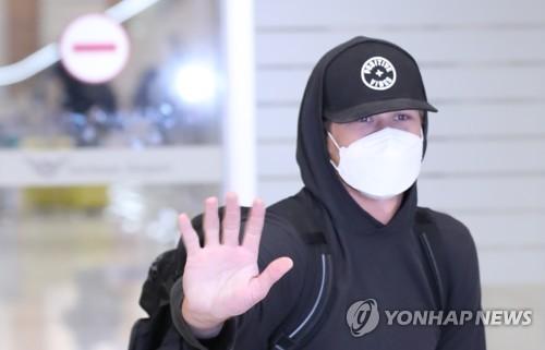 """프로야구 삼성 외국인 선수 입국 """"몸 상태 좋아…빨리 개막하길"""""""