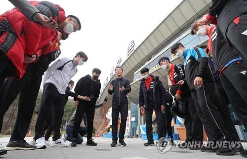 국가대표 '집으로'…'올림픽 연기'로 진천선수촌서 잠시 퇴촌