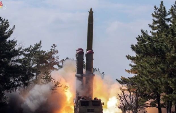 조선중앙TV가 공개한 과거 방사포 발사 장면. 사진=연합뉴스