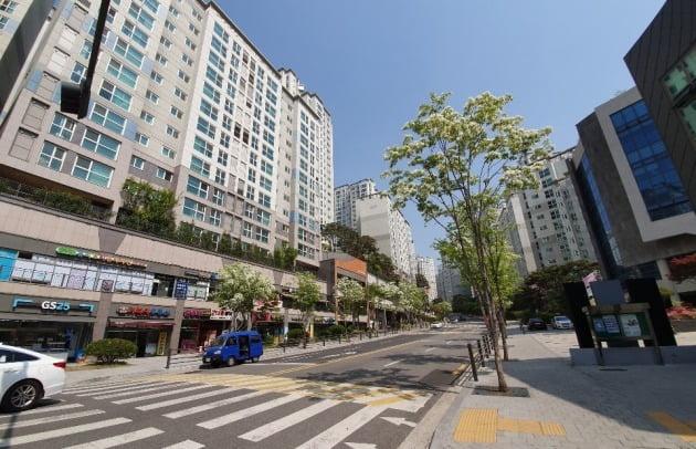 서울 아현뉴타운3구역을 재개발해 2014년 입주한 '마포래미안푸르지오'. 한경DB