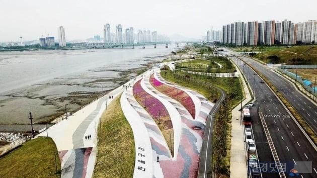 배곧신도시의 한울공원과 아파트 전경(자료 시흥시청)