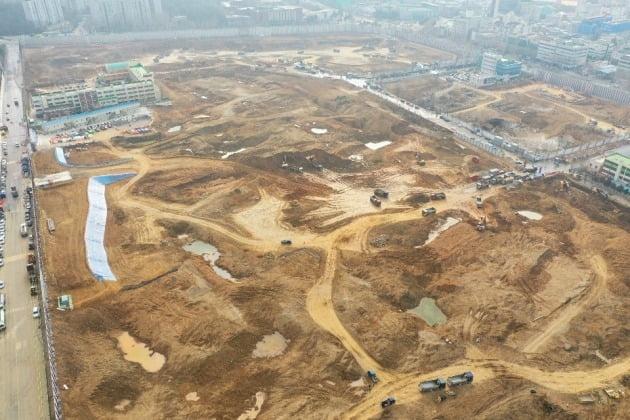 철거 공사를 끝내고 재건축 착공을 준비하고 있는 서울 둔촌동 둔촌주공아파트. 조합 제공