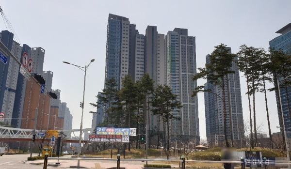 송도국제도시 아파트 전경. 최근 아파트값이 급등했고, 청약에는 수만명명이 몰렸다. (사진 김하나 기자)