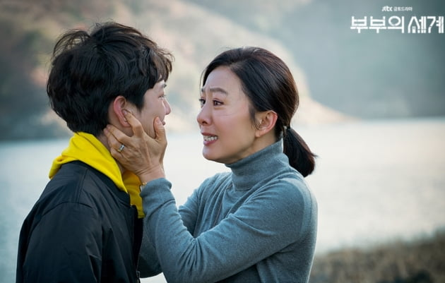 한국인이 바라는 '부부의 세계' 스토리 … '김희애 자식이 예서였다면'