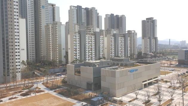 올해 입주 2년차를 맞이한 서울 송파구 가락동 '헬리오시티'의 전월세 가격이 떨어지고 있다. /다인공인 제공