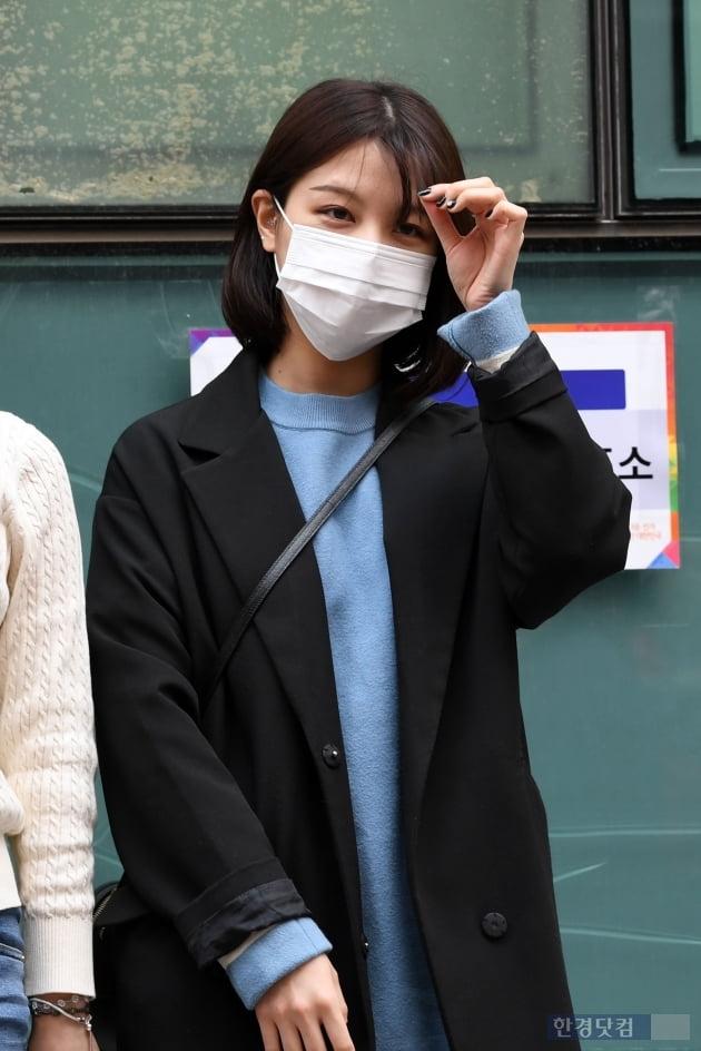 [포토] CLC 오승희, '투표하러 왔어요~'