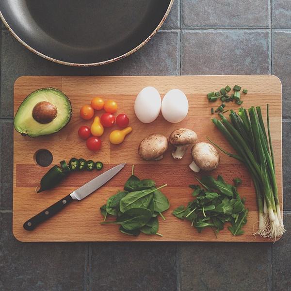 """""""집에서 만들어 먹는 마라탕, 과연 식당 맛 재현될까?"""" 밀키트 브랜드별 제품 비교 분석"""